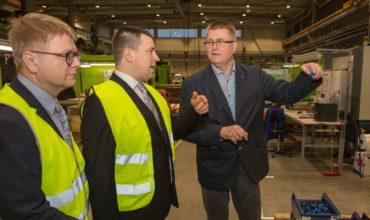 Peaministri visiit Ensto Ensek AS tehases